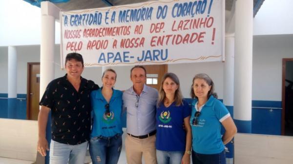 APAE e deputado Lazinho da Fetagro comemoram reforma e ampliação de salas de aula
