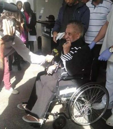 Agnaldo Timóteo recebe alta 2 meses após sofrer AVC