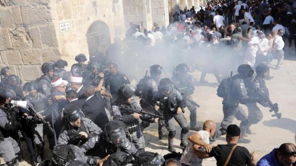 FESTA SIMULTÂNEA DE JUDEUS E MUÇULMANOS E MARCADA POR VIOLÊNCIA EM ISRAEL