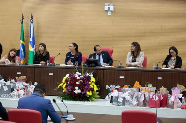 Assembleia legislativa anuncia projeto que proíbe contratação de condenados pela Lei Maria da Penha