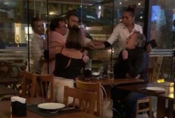 """Zé de Abreu explica confusão em restaurante: """"por causa de cigarro"""""""