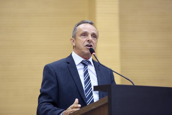 Lazinho da Fetagro propõe ao Executivo redução da jornada de trabalho para a enfermagem