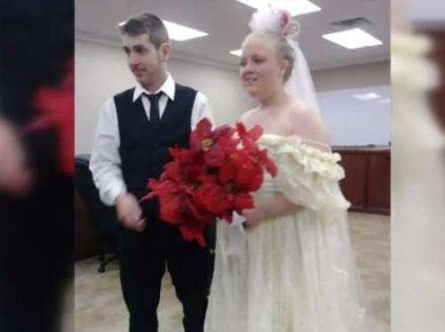 Jovens morrem minutos após se casarem
