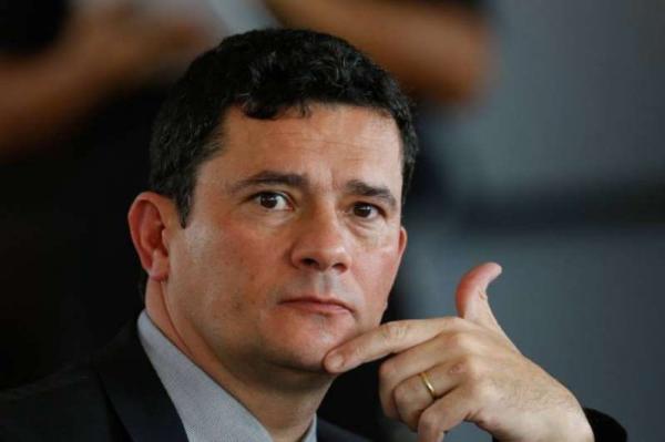 Moro afirma que diretor-geral da PF permanece no cargo