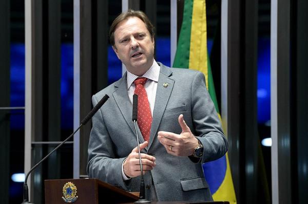 Regularização fundiária é a solução para evitar queimadas na Amazônia, afirma Acir