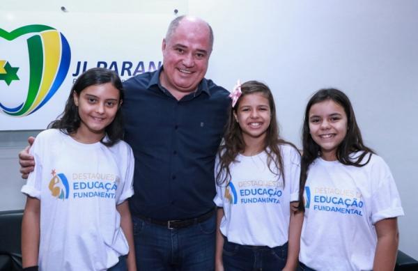 Alunas de Ji-Paraná recebem em Brasília o prêmio de Destaque da Educação