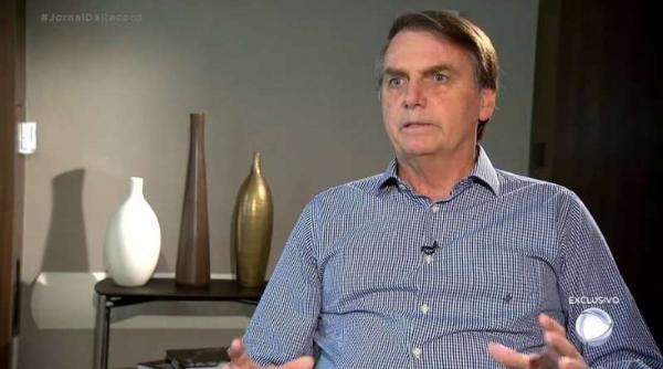 Bolsonaro sobre tuíte de Carlos: 'É opinião dele e ele tem razão'