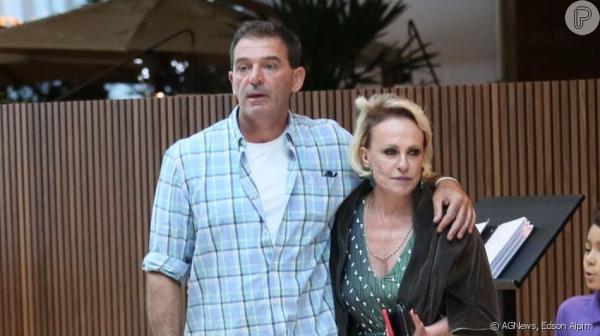 Ana Maria Braga e novo namorado francês são fotografados em shopping