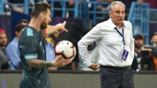 Tite revela que discutiu com Messi durante amistoso Brasil 0 x 1 Argentina: 'Me mandou calar a boca'