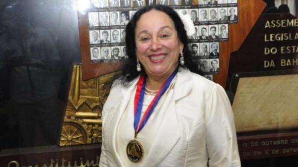 PF apreende R$ 100 mil e joias na casa de desembargadora presa