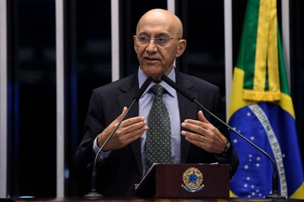 Confúcio Moura sugere medidas protetivas à população no pacote anticrime