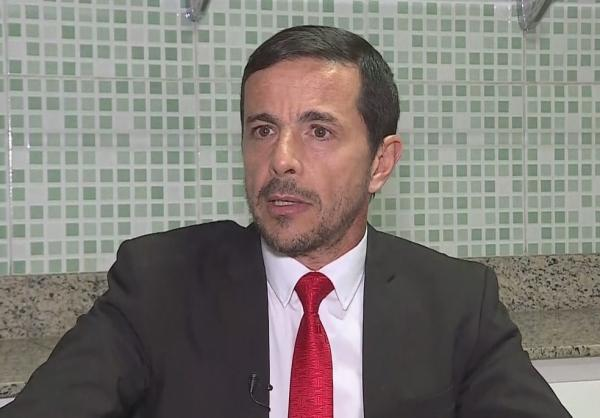 PF quer voltar a investigar advogado de agressor de Bolsonaro