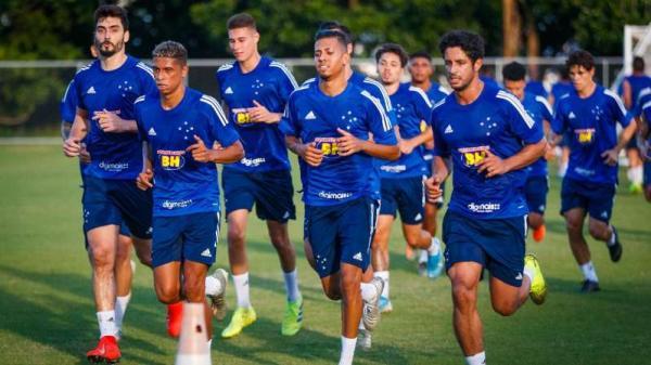 Em meio à crise, atletas do Cruzeiro consideram dar W.O.