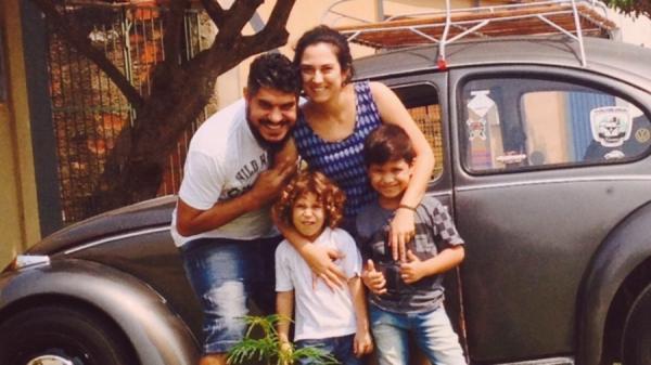 Em Fusca, família venezuelana viaja 6 mil km para tentar uma vida melhor