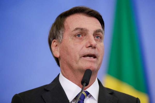 Bolsonaro diz tamanho das terras indígenas no Brasil é ''abusivo''