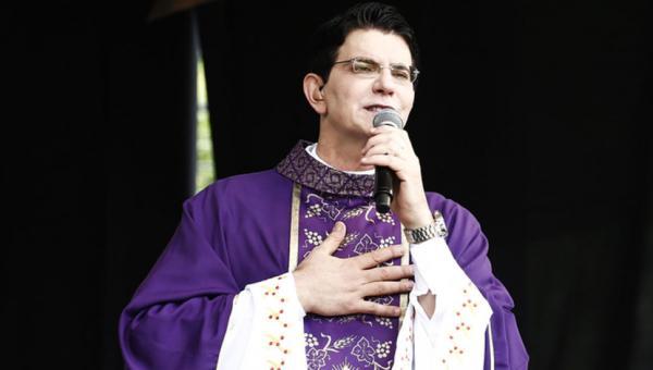 Padre Reginaldo Manzotti é hospitalizado em Curitiba após viagem a Tocantins
