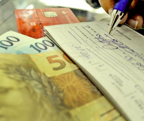 Após BC impor limite, juros do cheque especial caem para 165,6%