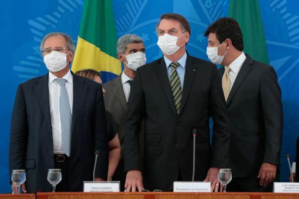 CORONAVÍRUS - Bolsonaro anuncia liberação imediata de R$ 8 bilhões de emendas para a Saúde