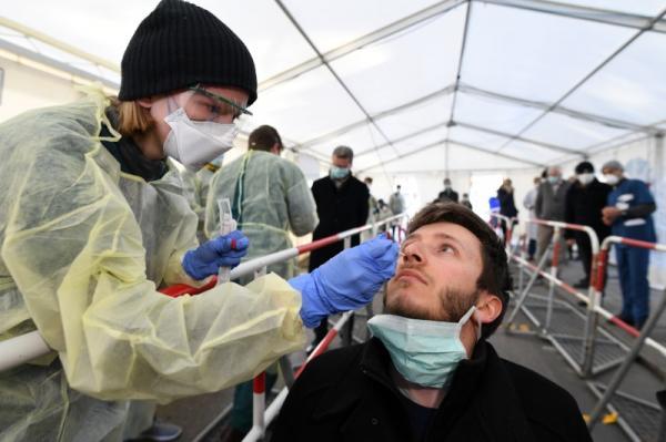 Pot�ncias disputam vacina contra COVID-19