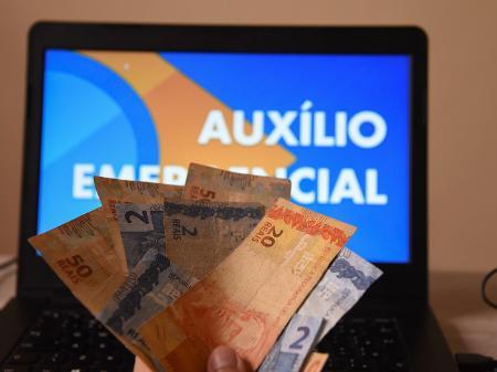 AO VIVO - CAIXA TIRA DUVIDAS SOBRE AUXILIO DE R$ 600