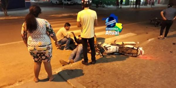 Pancada: Motociclista fura sinal e provoca acidente no cruzamento da T-4 com Av. Brasil, em Ji-Paraná