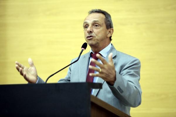 Lazinho da Fetagro defende isenção de impostos sobre implementos e insumos agrícolas