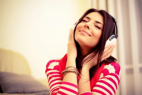 Seis motivos para você começar a ouvir música enquanto trabalha