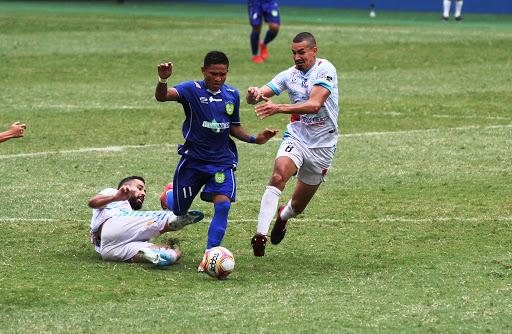 FUTEBOL - Ji-Paraná vence Nacional em Manaus e avança na serie D