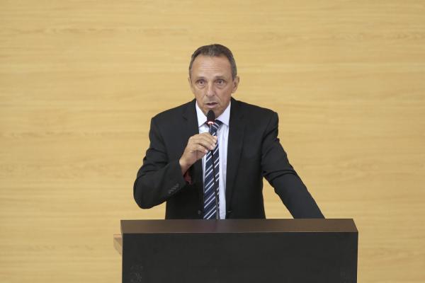 LAZINHO DA FETAGRO PEDE APOIO DA BANCADA FEDERAL PARA APOIO DE JORNADA 30 HORAS A ENFERMEIROS
