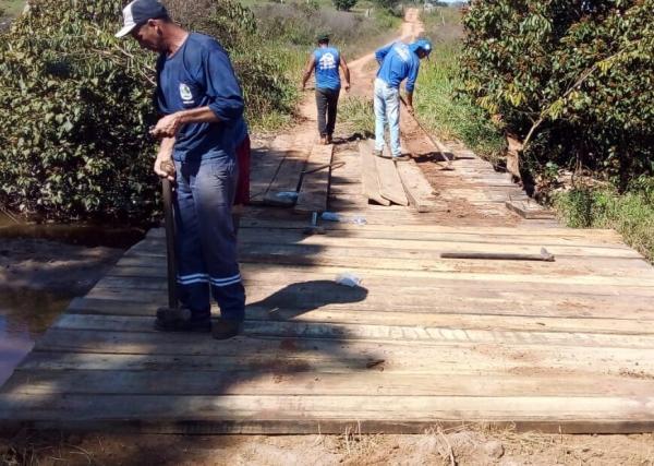 Prefeitura recupera estradas e pontes na zona rural