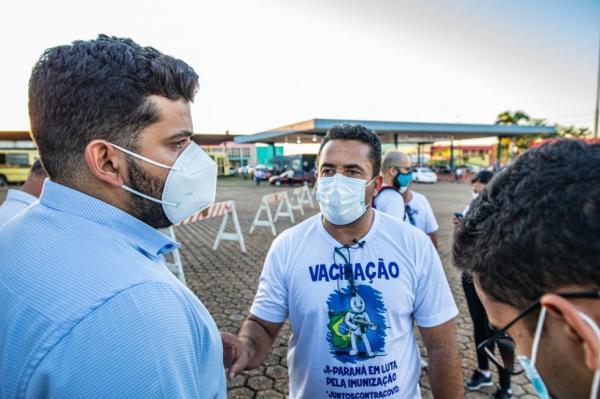 Ji-Paraná quebra recorde e vacina mais de 3 mil pessoas em um dia