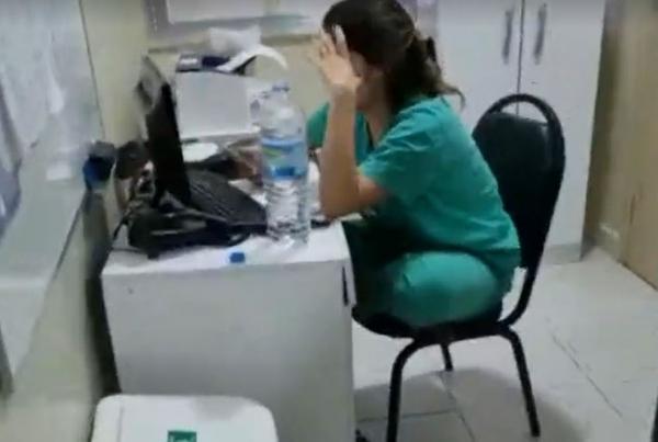 FALSA MÉDICA E PRESA TRABALHANDO EM HOSPITAL DE CAMPANHA CONTRA COVID