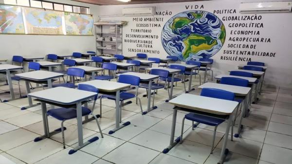 GREVE - TRABALHADORES EM EDUCAÇÃO DECIDEM POR NÃO RETORNAR AULAS EM AGOSTO