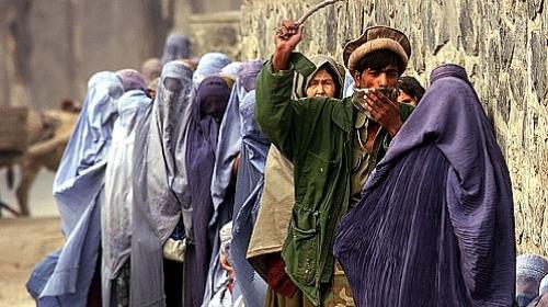 TALIBÃ TOMA AFEGANISTÃO - Saiba 29 proibições que são impostas às mulheres