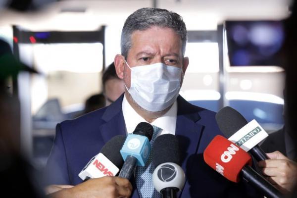 Brasil não pode tolerar gasolina a quase R$ 7 e o gás a R$ 120 afirma Presidente da Câmara
