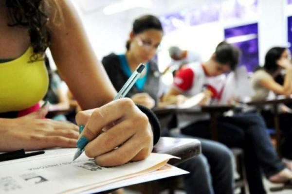 Estudantes tem até o dia 10 para solicitar isenção do Enem