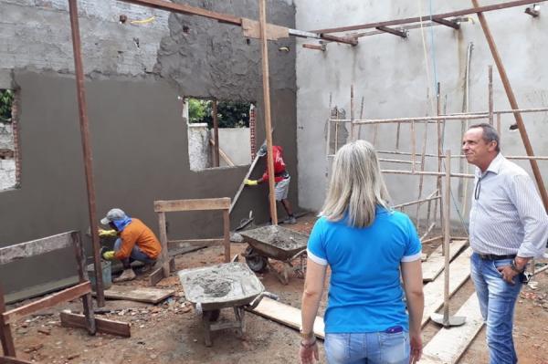 Deputado Lazinho da Fetagro visita obras de reforça e ampliação da APAE de Jaru