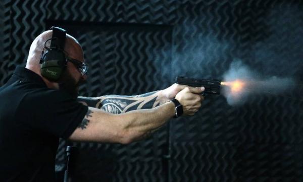 Bolsonaro assina decreto que muda regras sobre uso de armas