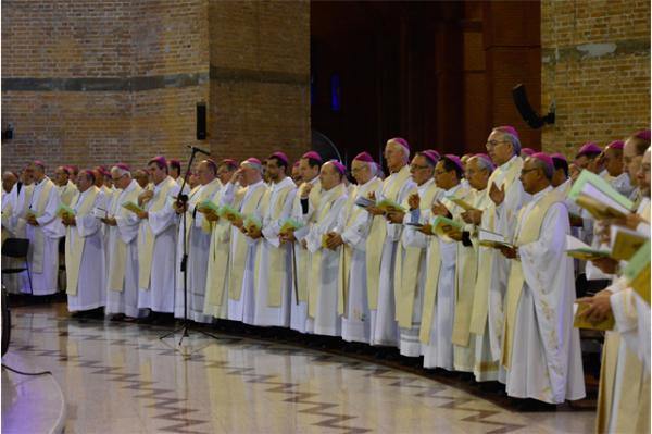 Bispos católicos contestam política de Bolsonaro e defendem direitos humanos