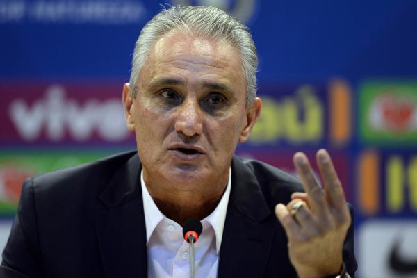 Tite deixa Seleção aberta para a Copa América e diz que Vinicius Jr.: