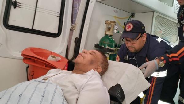 NA UTI, CANTOR AGUINALDO TIMÓTIO SERÁ TRANSFERIDO PARA HOSPITAL DE SÃO PAULO
