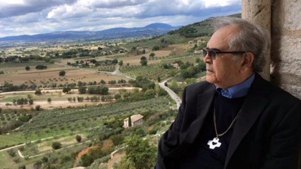 """Pe. Zezinho comemora 78 anos: """"sou fruto da oração do povo"""""""