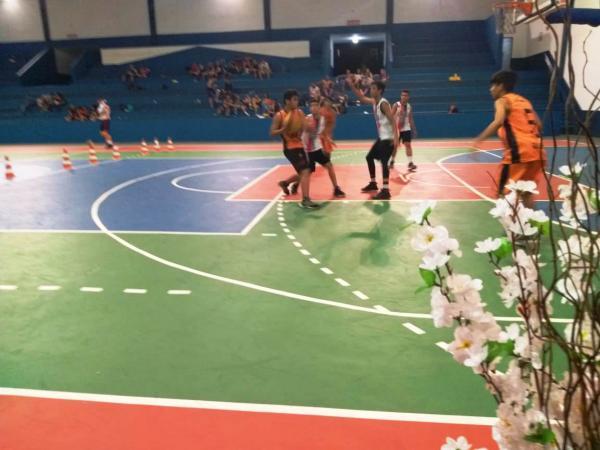 Alunos das Escolinhas de iniciação Esportiva são destaques em competição