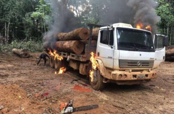 Caminhão-tanque do Ibama é incendiado em Espigão do Oeste