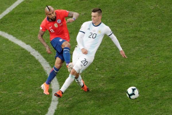 Messi é expulso, mas Argentina derrota o Chile e fica em 3º na Copa América