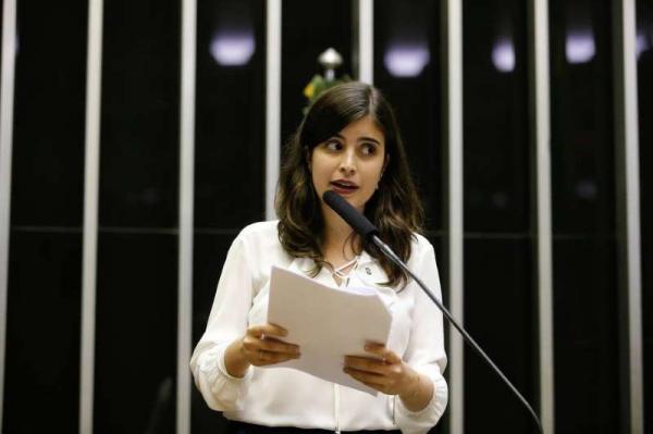 PDT ameaça expulsar Tabata Amaral caso vote a favor da reforma da Previdência