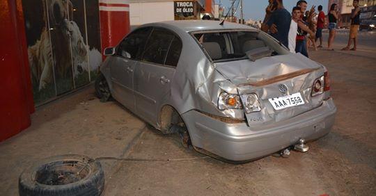 Homem foge após se envolver em acidente com carro emprestado de amigo, em Ji-Paraná