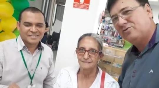 CONFIRA A GANHADORA DA TV 60 POL 4K DA PROMOÇÃO DO DIA DOS PAIS DO COMERCIAL SÃO JOÃO - O Supermercado da Família.